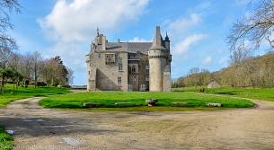 Château de Sibiril à 34 km