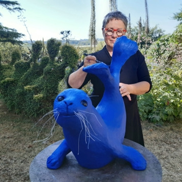 phoque bleu sculpture